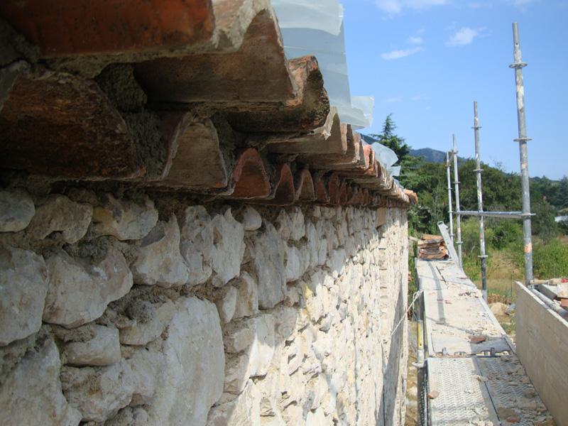 toiture-bergerie-macon-atoiture-tuiles-anciennes-macon-alpes-maritimes-06-var-83-launay-constructionlpes-maritimes-06-var-83-launay-construction
