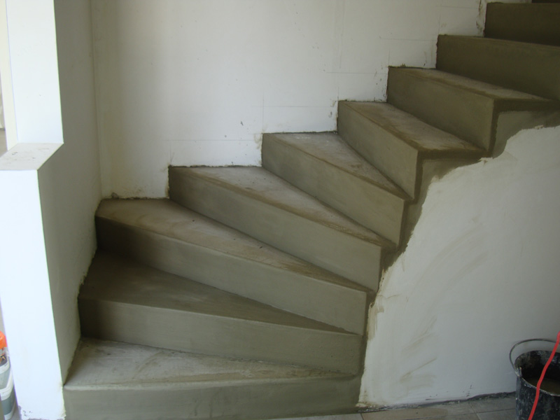 escalier-beton-cire-macon-alpes-maritimes-06-var-83-launay-construction
