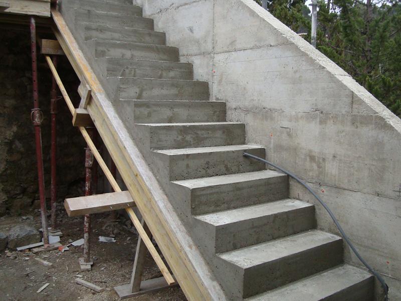 escalier-decoffrage-macon-alpes-maritimes-06-var-83-launay-construction