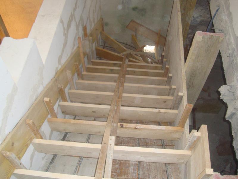 escalier-balance-coffrage-macon-alpes-maritimes-06-var-83-launay-construction