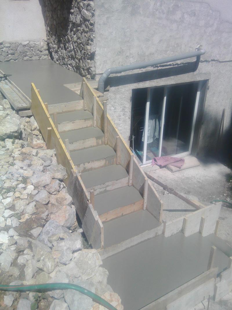 escalier-coulage-macon-alpes-maritimes-06-var-83-launay-construction