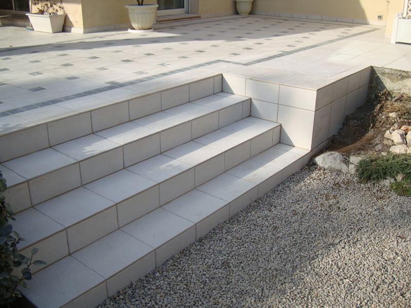 carrelage-escalier-macon-alpes-maritimes-06-var-83-launay-construction24