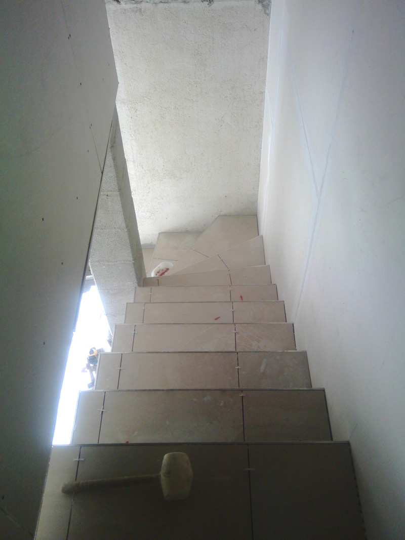 carrelage-escalier-macon-alpes-maritimes-var-launay-construction66