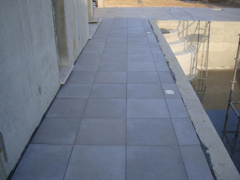 carrelage-piscine-terrasse -macon-alpes-maritimes-var-launay-construction45
