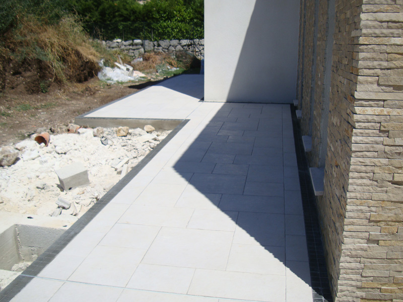 carrelage-rampe-handicape-macon-alpes-maritimes-var-launay-construction21