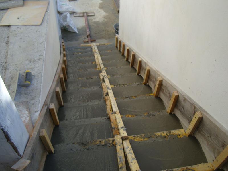 escalier-beton-coulage-macon-alpes-maritimes-06-var-83-launay-construction