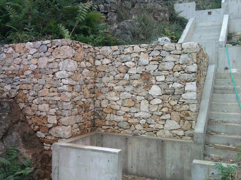 mur-pierre-seche-macon-alpes-maritimes-06-var-83-launay-construction-saint-vallier-de-thiey
