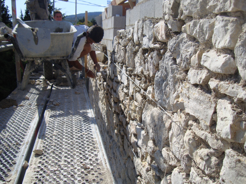rehaussement-mur-pierre-macon-alpes-maritimes-06-var-83-launay-construction-saint-vallier-de-thiey
