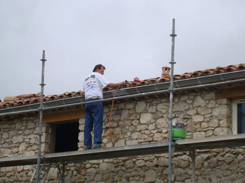 zinguerie-plomb-gouttiere-macon-alpes-maritimes-06-var-83-launay-construction