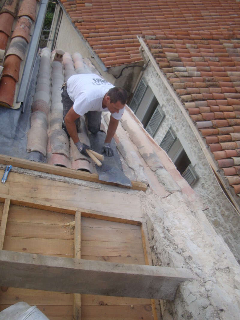 zinguerie-plomb-macon-alpes-maritimes-06-var-83-launay-construction