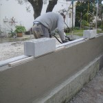 maconnerie-mur-cloture-macon-pose-couvertine-beton-alpes-maritimes-06-var-83-launay-construction